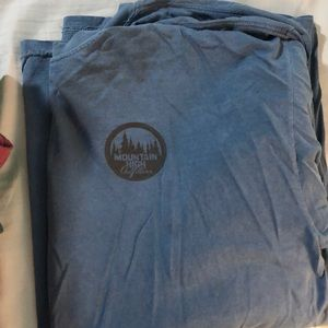 Mountain high outfitters long sleeve tee